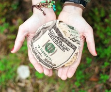 money-652560_1280