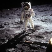 moon-landing-60582_1920